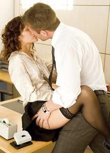 Стоит ли заниматься сексом на работе
