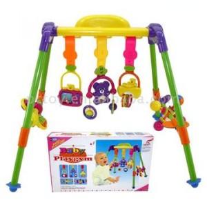 Игрушки для малыша от рождения до годика: какие когда?